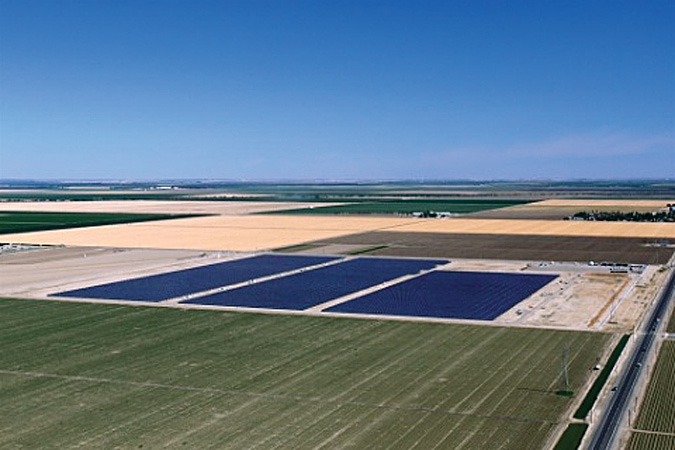 Cupertino Electric completed building a 20-MW photovoltaic (PV) power project in Huron, Calif., for Pacific Gas & Electric (PG&E). The project, built in eight months, is the third that Cupertino Electric has built for PG&E under the utility's five-year, 500-MW PV program, which includes up to 250 MW of utility-owned solar capacity.